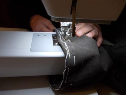 TUTORIAL per imparare a fare nuovo orlo pantaloni jeans con la macchina da cucire